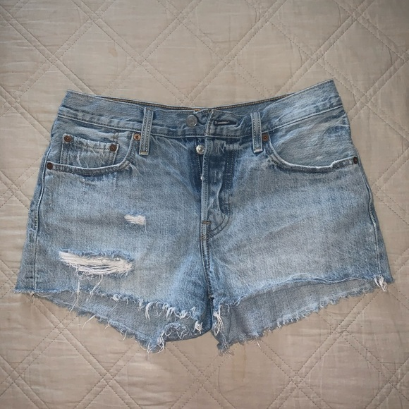 Levi's Pants - Distressed Levi's Free People 25W